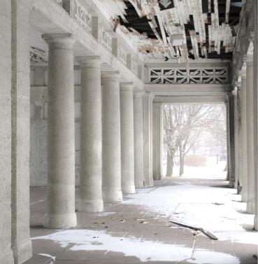 Urban Decay (IX)
