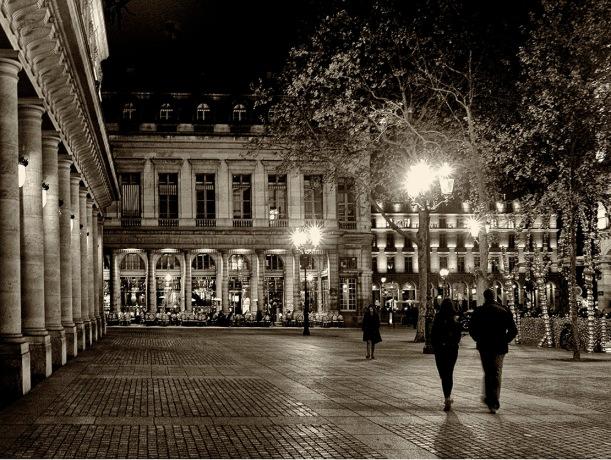 Place Palais Royale, 2003