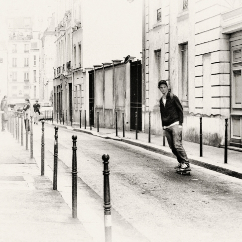 Even Parisians Skateboard